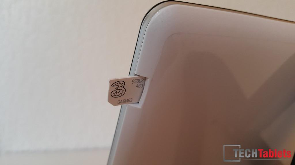 The Micro Sim is inserted this way.
